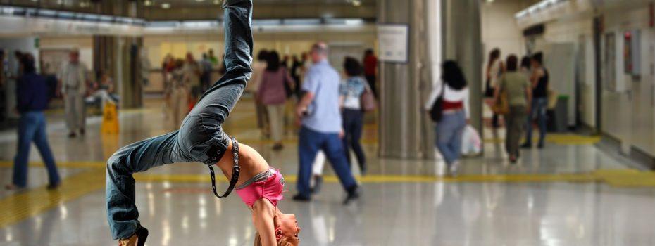 handstand-1461105_1280